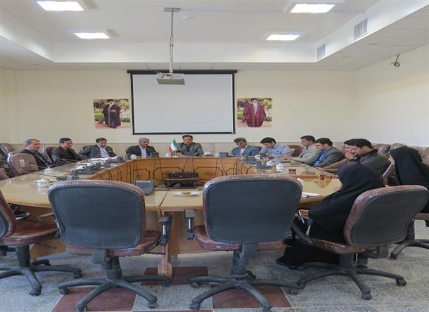 شورای ورزشی به ریاست بخشدار و با حضور رئیس اداره ورزش و جوانان شهرستان طبس تشکیل جلسه داد.