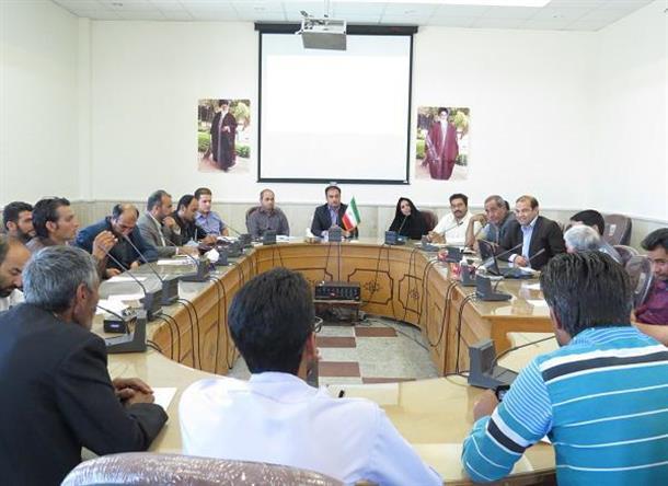 جلسه مشورتي-آموزشي دهياران با محوريت موضوع اشتغال و كارآفريني در روستاها برگزار شد.